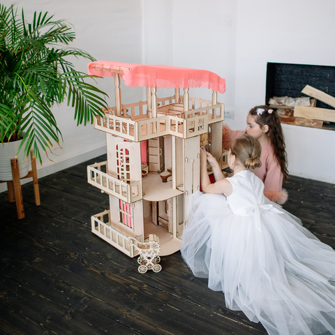 Почему девочке нужен игрушечный домик?