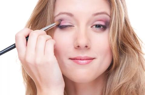 Готовим кожу к макияжу правильно