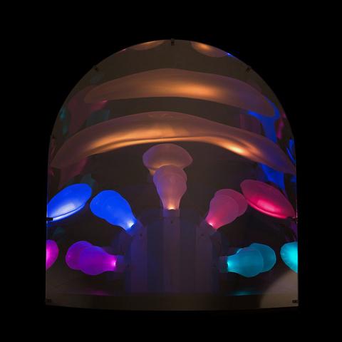 Технология веселья в настольной лампе Space от Moooi