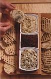 Лепешки на гриле с 3 видами соусов