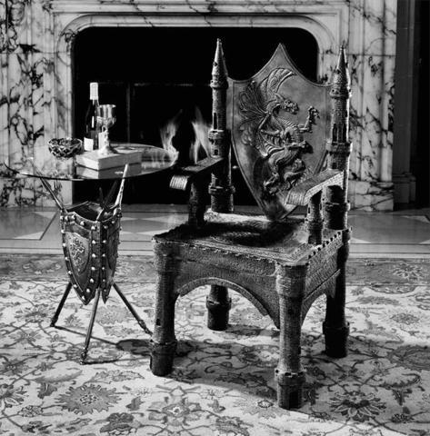 Мебель в готическом стиле