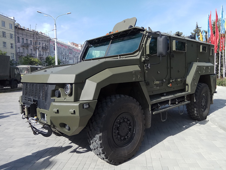 Узбекистан принял на вооружение броневик