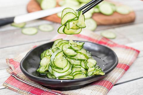 Японский огуречный салат