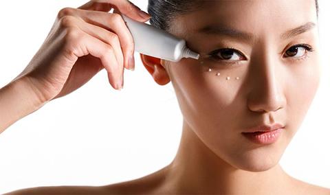 Советы по выбору и использованию крема для кожи вокруг глаз