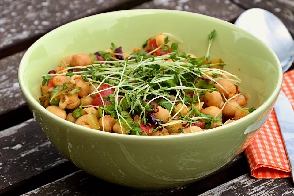 Веганские салаты с бобовыми: 3 рецепта