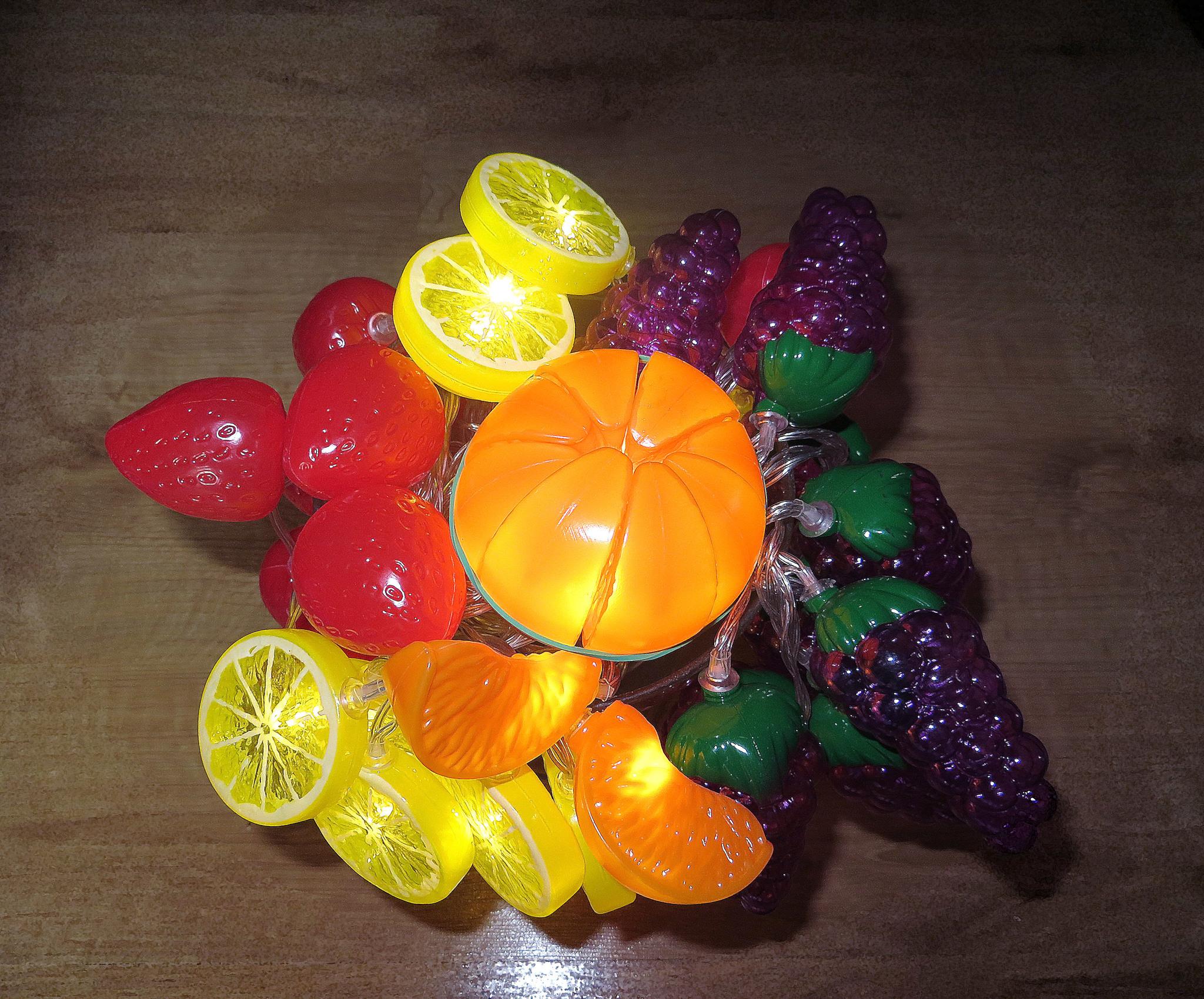 Светящийся букет из фруктов