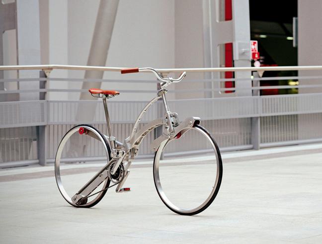Инженер университета итальянского города Турин изобрел велосипед, складывающийся как зонтик
