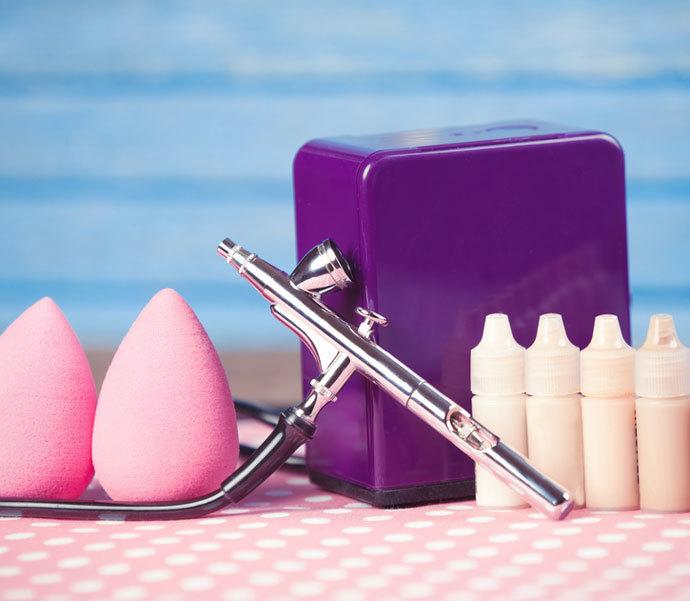 Аэрограф – удобное косметологическое устройство для создания безупречного макияжа