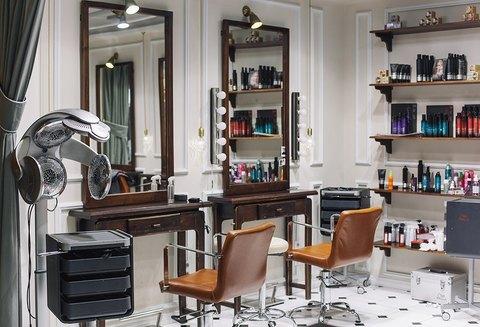 Как правильно обустроить рабочее место парикмахера