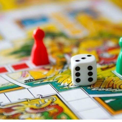 Как подобрать настольные игры для компании?