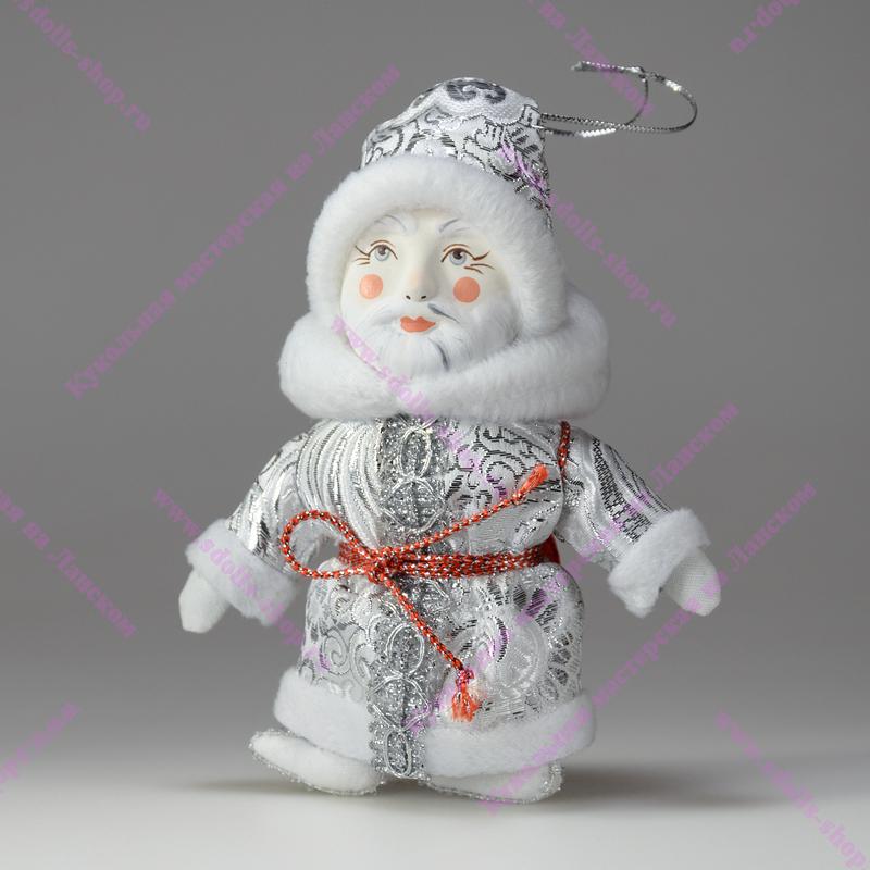 Новая кукла в маске
