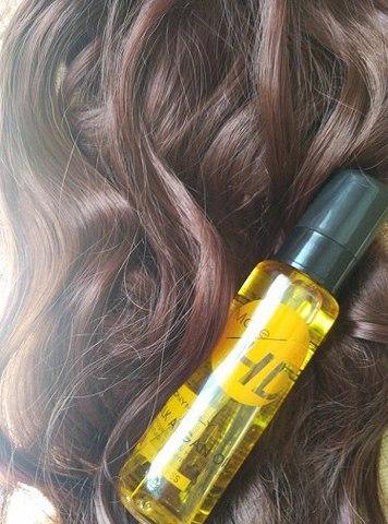 Аргановое масло от Tony Moly HD Silk Argan Oil или как превратить свои поврежденные волосы в нежный, струящийся шелк.