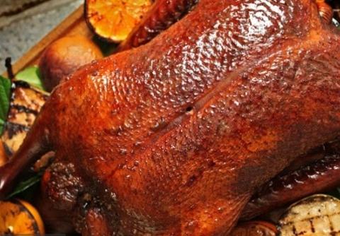 Рецепт утки с фруктами на гриле