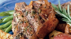 Отбивные из ягнятины с розмарином и картофелем на гриле Weber