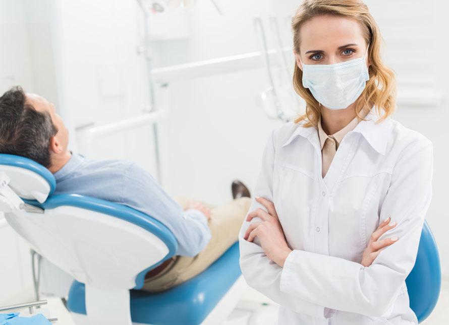 Важное предназначение медицинской маски в салонах красоты