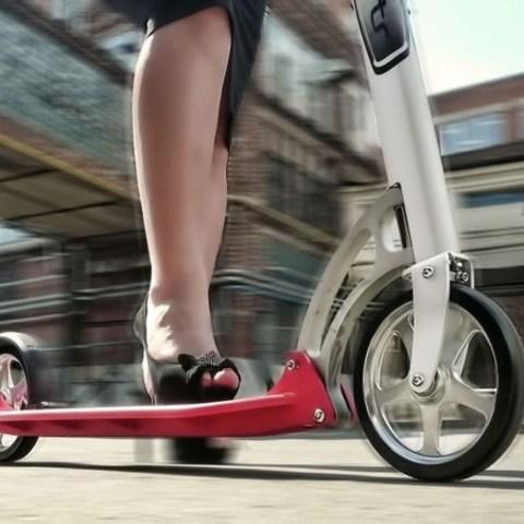Самокат для детей и взрослых — универсальный городской транспорт
