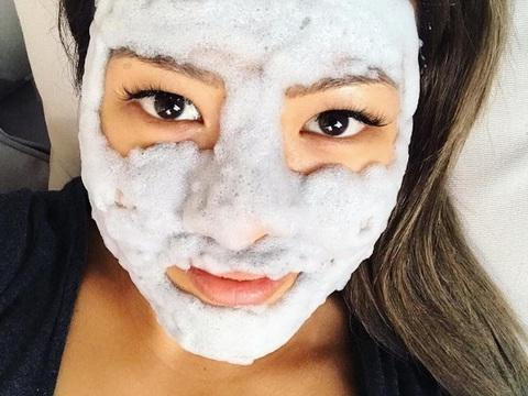 Кислородная маска для очищения пор и выравнивания тона кожи