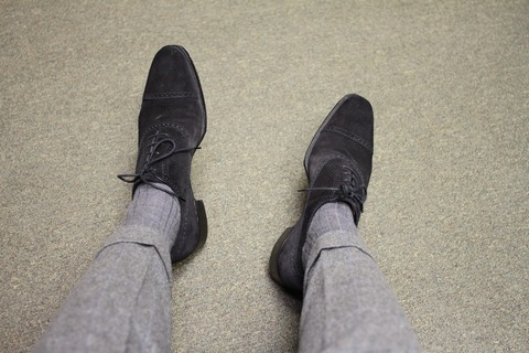 Как подбирать мужские носки к костюму?