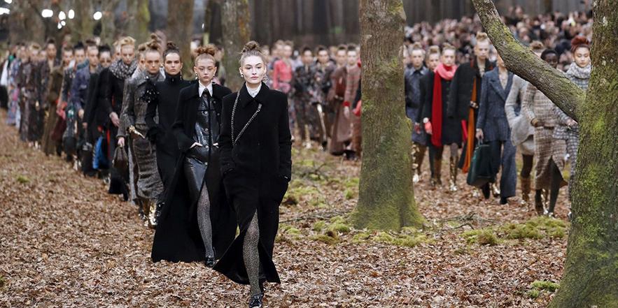 Показ коллекции Chanel prêt-à-porter осень-зима 2017-2018