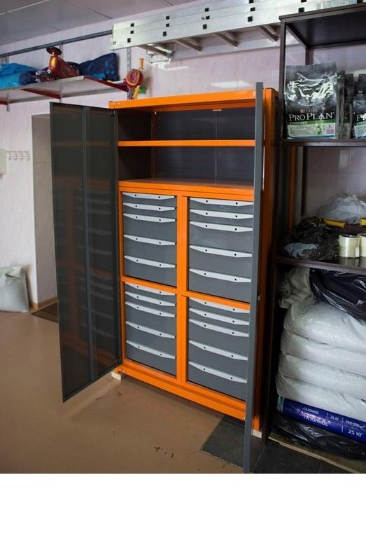 Металлические шкафы в гараж