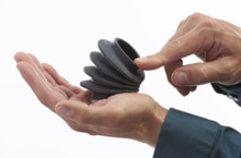 Компания Stratasys анонсировала новые материалы для 3D-печати: Nylon 12CF и Agilus30.