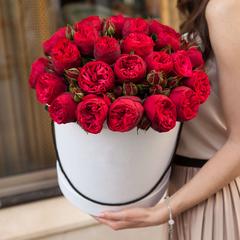 Пионовидные розы вместо пионов на 8 марта