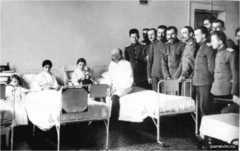 Главная задача врача на войне - спасение жизни
