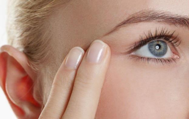 Как сделать антивозрастной крем-гель для кожи вокруг глаз.