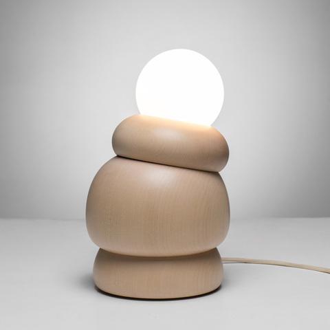 Заточены под человека: деревянные светильники Bulbous от Studio Sain