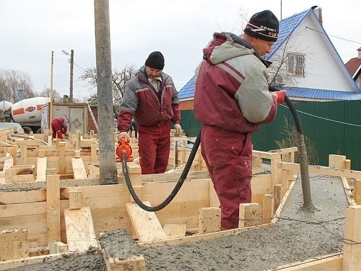Виброукладка бетона: зачем она нужна?