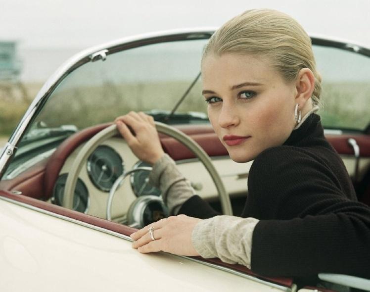 Дамы за рулём