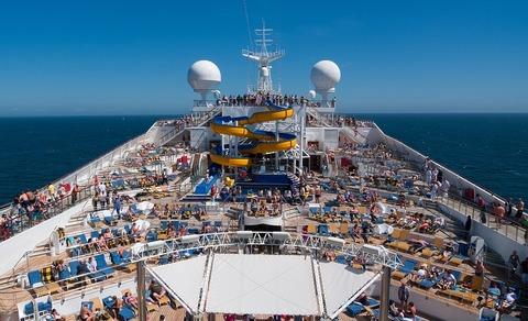 Отправляемся в путешествие на... круизном лайнере!