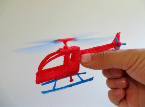 Создание модели вертолёта при помощи 3D ручки по трафарету.