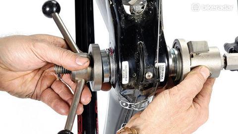 Как заменить безрезьбовые каретки BB30, BB86 и BB92