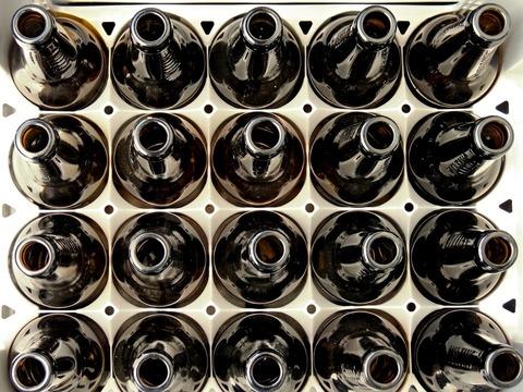 Собираем бутылки из под пива и богатеем