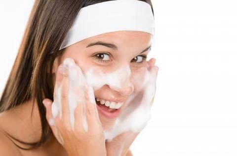 Как подобрать очищающее средство для кожи лица?