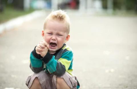 Чтобы ребенок научился контролировать свое поведение, необходимо...