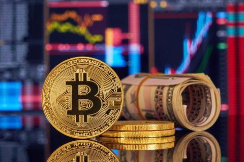 От чего зависит цена биткоина?