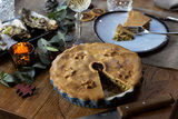 Пирог с индейкой в керамическом гриле Big Green Egg