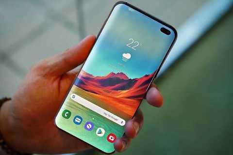 Samsung Galaxy S10e • А он точно бюджетный?