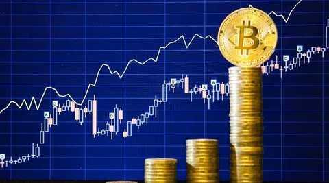 Из-за чего подскочил курс биткоина в конце 2013 года?