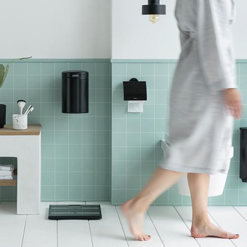Обзор мусорных баков для ванной комнаты