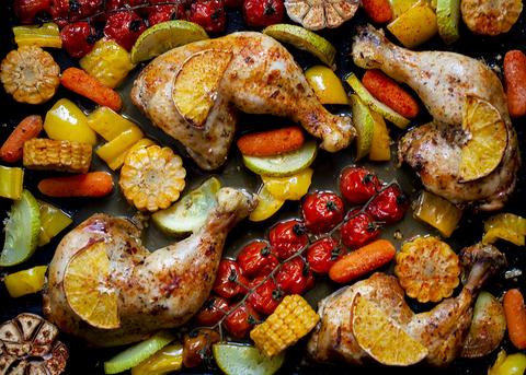 Курица в цитрусовом маринаде с овощами