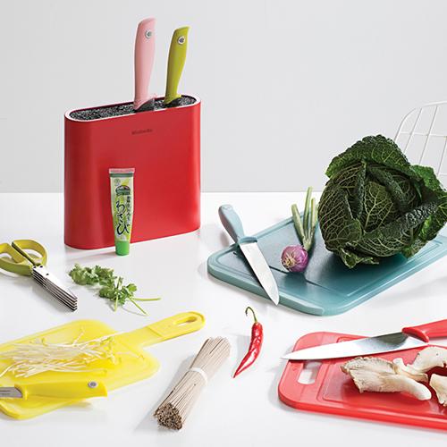 Раскрасьте свою кухню в цвета радуги вместе с Brabantia