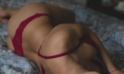 Комплекты эротического белья. В чём их притягательность?