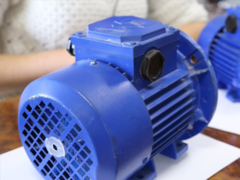 Феррит заменит неодимовые магниты в двигателе  Linear Labs