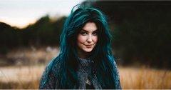 Зелений колір волосся: як з ним поєднувати макіяж та одяг