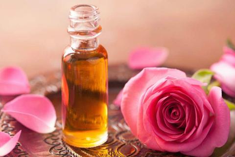 самым дорогим считается розовое масло