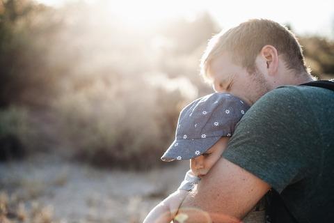 Как правильно хвалить ребёнка, чтобы не навредить?