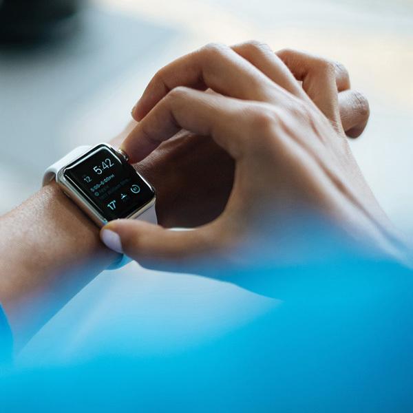 Кому нужны умные часы?